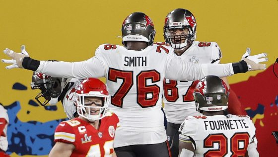 Donovan Smith agrees with Gronk: Bucs offense can be better in 2021